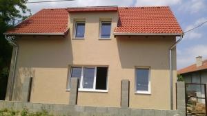 Kulcsrakész családi házak építés